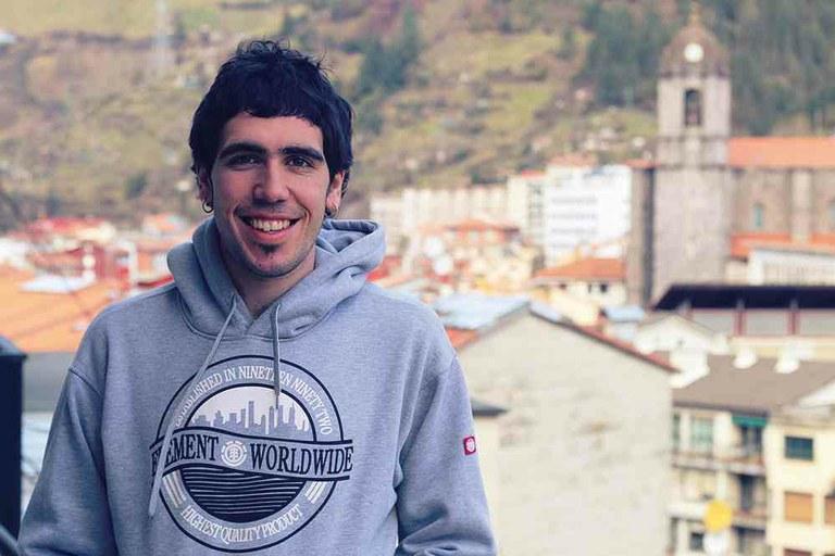 """Juan Fernandez: """"Cuando alguien dice algo malo de un inmigrante nos afecta también a nosotros"""""""