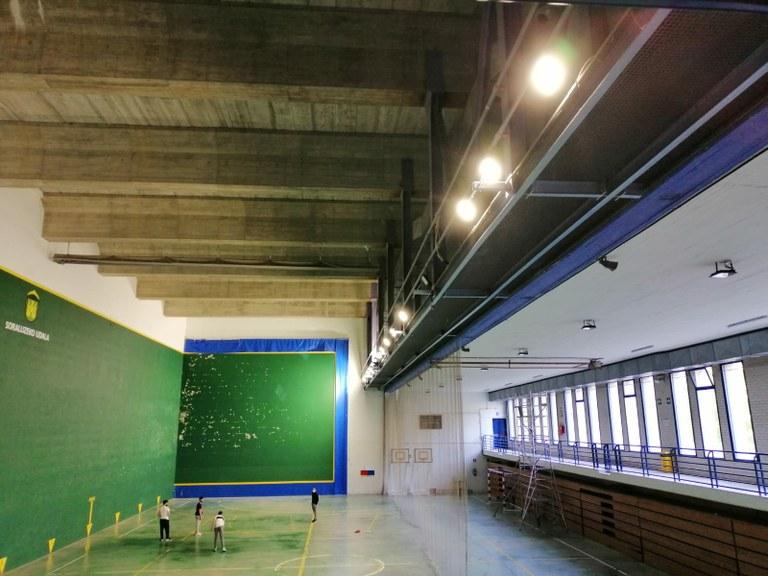 Nueva iluminación en el polideportivo