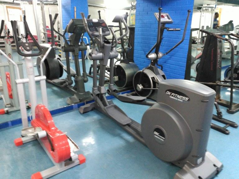 Nuevas máquinas para el polideportivo