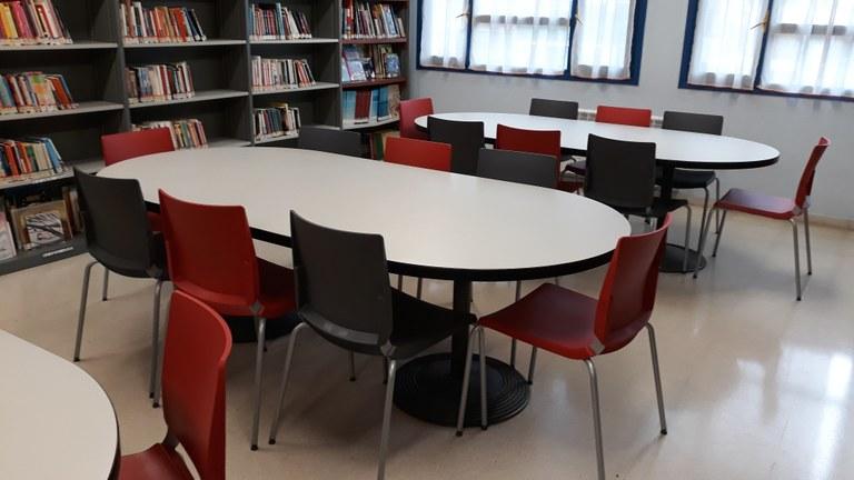 Nuevas sillas para la biblioteca municipal
