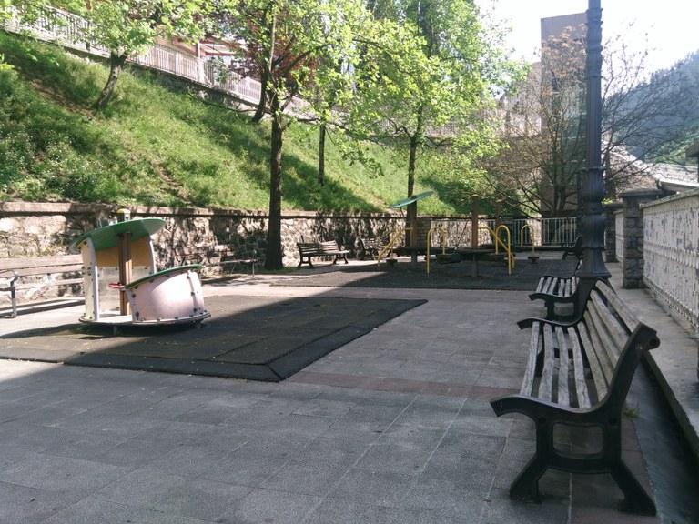 Remodelación del parque de la estación