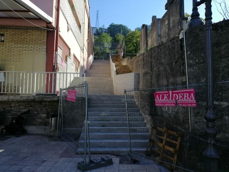 Nuevas escaleras del colegio