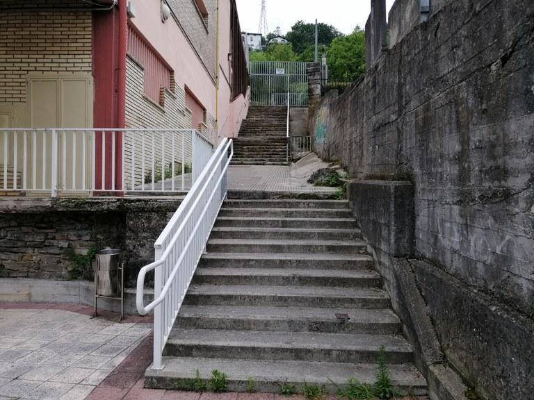 Renovación de las escaleras del colegio