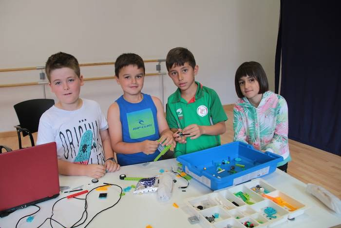 Talleres creativos para niños y niñas