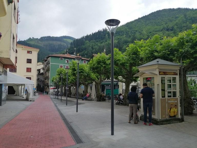 Plaza Zaharreko farol berriak